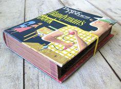 Poppytalk: DIY: Vintage Book Expanding File