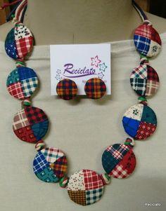 Best 12 Fabric Button Necklace – Black/White Flowers More – SkillOfKing. Denim Earrings, Fabric Earrings, Fabric Beads, Textile Jewelry, Fabric Jewelry, Ribbon Jewelry, Beaded Jewelry, Liberty Of London, Antic Jewellery