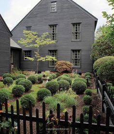 Home Exterior Colonial Interiors 27 Ideas Colonial House Exteriors, Colonial Garden, Colonial Exterior, Exterior Siding, Exterior Colors, Exterior Paint, Dutch Colonial, Primitive Homes, Saltbox Houses