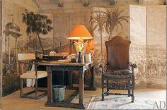 Villa di Lemma – restored by the great John Saladino as his personal estate in Montecito, CA. Designed by Wallace Frost in the 1920s.Zuber screen Image via Cote De Texas