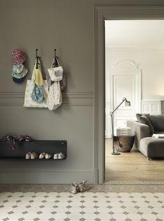 Vipp shelf & lamp