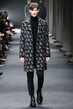 Neil Barrett Fall 2015 Menswear Fashion Show