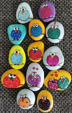 Painted Rock Animals, Painted Rocks Craft, Hand Painted Rocks, Rock Painting Patterns, Rock Painting Ideas Easy, Rock Painting Designs, Stone Art Painting, Pebble Painting, Pebble Art