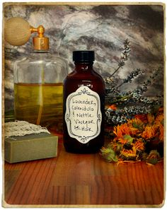 Herbal Hair Rinse ~  Herbal Vinegar Rinse.Vinegar rinses have the same advantages as water-based hair rinses, and they also help restore hair's pH balance. Vinegar is beneficial for oily hair, itchy scalp, dandruff, dull hair, and other scalp conditions.