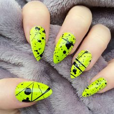 Neon nail art design makes your nails bright and shiny. The energy you can see in neon nails. When you wear neon nails, you can choose yellow. Today, we have collected 77 stunning yellow neon nail art designs to beau Neon Yellow Nails, Yellow Nails Design, Neon Nail Art, Neon Nail Polish, Yellow Nail Art, Neon Nails, 80s Nails, Nail Polishes, Black Nails