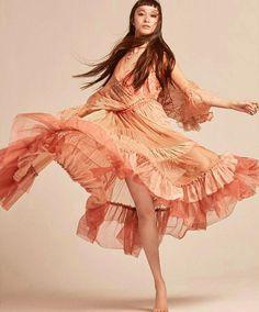 """Vogue Thailand (@voguethailand) August issue くるりと回っております~◎ なんと美しいドレスだ。。と思いながらも顔は必死。 この撮影のあと二本目にすっとんでいったけど 電車が止まって(NYあるあるだそうで) 冷や汗かいたなぁ、なんて 媒体が出る度に撮影時の思い出がほわほわと。 楽しかったなぁ~。有難うございました I'm dancing in the Vogue Thailand! Thank you ♡"""" P:@natth_j S:@yoshihidaka M:@ninapark H:@hairbytaku"""