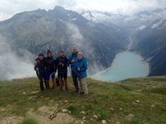 Letzte Woche wanderte unser Bergführer Alf mit den Wanderbegeisterten zur Olperer Hütte - Schlegeis Stausee. Die Gruppe war beeindruckt von der Naturgewalt der Zillertaler Alpen.