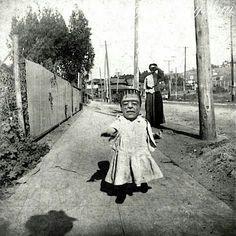 Halloween / costume / vintage photo