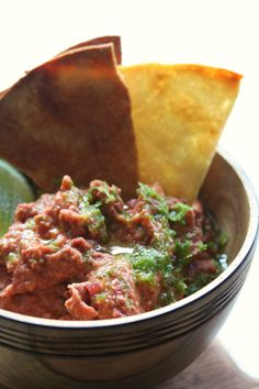 The best little ode to Mexicana yet. You have to think about this one in advance but it is soo delicious, it is well worth setting an alarm to make it Mexican Food Recipes, Vegetarian Recipes, Cooking Recipes, Recipes With Kidney Beans, Bean Dip Recipes, Appetizer Dips, Food Network Recipes, Yummy Food, Favorite Recipes