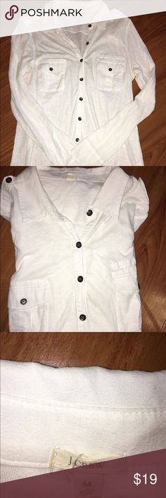 J.CREW White Cotton Long Sleeve Button Dn Shirt J.CREW Womens Sz Medium White 100% Cotton Long Sleeve Button Dn Shirt PERFECT Arms 25 inches Shoulders 13 inches Length 24 inches J. Crew Tops Tees - Long Sleeve