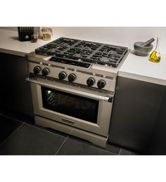 36 Inch 6 Burner Dual Fuel Freestanding Range, Commercial Style This Used