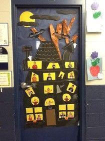 halloween bulletin board or door idea haunted house! Halloween Classroom Door, Halloween Bulletin Boards, Theme Halloween, Halloween Door Decorations, Classroom Crafts, Halloween Activities, Preschool Crafts, Halloween Crafts, Holiday Crafts