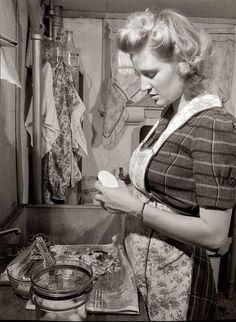 Woman Peeling Potatoes: 1943: photo by Esther Bubley - Pixdaus