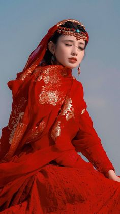 Oriental Fashion, Asian Fashion, Traditional Fashion, Traditional Outfits, Beautiful Chinese Girl, Art Anime, Princess Aesthetic, Chinese Clothing, Colors
