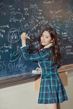 "Update: ""Idol School"" Girl Group Teams Up For Unit Photos Ahead Of Debut South Korean Girls, Korean Girl Groups, Cute Girls, Cool Girl, Instagram Handle, 22 Years Old, Girls With Glasses, Soyeon, Korean Actresses"