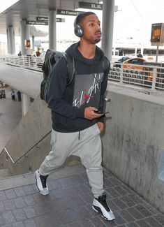 1f1effd3e1c8 Jordan Photos -  Fantastic Four  actor Michael B. Jordan was spotted  arriving at LAX in Los Angeles