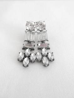 Boucles d'oreilles pendantes à strass style vintage  #boucles #bijoux #tendance #look #mode #earring #jewelry www.milena-moda.com