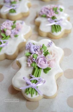 Purple flower bouquets | Cookie Connection