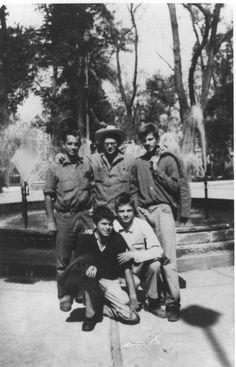 Jack Kerouac, Allen Ginsberg, Peter Orlovsky, Lafcadio Orlovsky, Gregory Corso. Mexico City, November 1956.