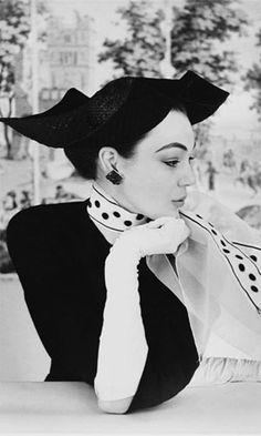 Ivy Nicholson, 1950s Vogue: photo by Henry Clarke (1917-1996). S)