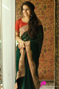 Product Details: Saree: Raw silk and silk embroidered net half and half saree, completed with parrot green raw silk borders.Blouse: Parrot green raw silk (same colour as in the borders) Fancy Sarees Party Wear, Georgette Saree Party Wear, Saree Dress, Georgette Sarees, Wedding Saree Blouse Designs, Pattu Saree Blouse Designs, Plazo Kurti, Bridal Sarees South Indian, Saree Color Combinations