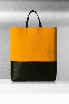 Love the splash of color in this celine bi-cabas bag from their 2012 fall collection. Leather Craft, Leather Bag, Leather Gifts, My Bags, Purses And Bags, Fall Collection, Celine Bag, Little Bag, Treat Bags