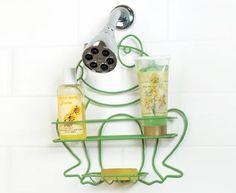 A Shaped Shower Caddy makes everyday bath supplies easy to reach. Die-cut wire caddy hangs with ease over a shower head by its hooked handle. Frog Bathroom, Bathroom Kids, Bathroom Stuff, Frog House, Frog Crafts, Frog Design, Frog Art, Cute Frogs, Frog And Toad