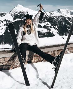 Sandro, Snowboard Girl, Snow Outfit, Ski Season, Ski Fashion, Winter Photos, Snow Skiing, Winter Sports, Winter Snow