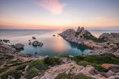 Capo Testa uno de los lugares más bonitos de Cerdeña #atardecer #sunset #cerdeña #sardinia #paisaje #seascape #capotesta #calagrande #valldellaluna // Fot.: A. Putzo
