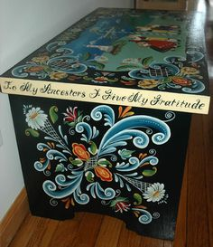 rosemaling chest- I LOVE LOVE LOVE this! it makes me thinks of my wonderful AUNTS!!
