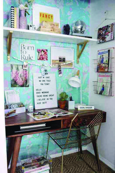 These 55 small home office ideas will help you learn how to create a small office in your home and give you tips & ideas. Home Office Design, Home Office Decor, Office Ideas, Home Decor, Office Designs, Office Inspo, Office Layouts, Small Home Offices, Small Office