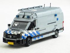 Many emergency vehicles in the Netherlands have markings that include diagonal stripes, which were also introduced on the new vehicles used by the MoD. Police Truck, Lego City Police, Lego Wheels, Lego Truck, Lego Pictures, Lego Construction, All Lego, Cool Lego Creations, Lego Design