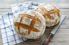 Bread with sourdough: recipe for homemade bread - Fidelity Cucina Bbc Good Food Recipes, Bread Recipes, Variety Of Fruits, Easy Bread, Zucchini Bread, Sourdough Bread, Kefir, Low Sugar, Starters