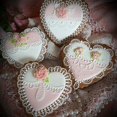 Hearts to love, Valentine cookies in lace and pink with fondant roses by Teri Pringle Wood Fancy Cookies, Heart Cookies, Iced Cookies, Cute Cookies, Cupcake Cookies, Sugar Cookies, Valentines Day Cookies, Holiday Cookies, Cookie Frosting