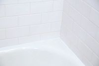 Mold almost always poses a problem in the bathroom because of the moisture there, but it& a particularly pernicious one when it grows behind bathtub caulking. Mold causes. Cleaning Bathroom Mold, Bathroom Caulk, Cleaning Mold, Mold In Bathroom, Deep Cleaning Tips, Toilet Cleaning, House Cleaning Tips, Cleaning Hacks, Bathrooms