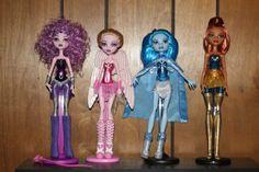 MonsterHigh as She-ra dolls