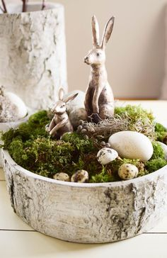 DIY-Schale-fuer-fruehling-ostern-natuerliche-Osteridee-Tischdeko-mit-Moos-Eier-H… DIY-shell for-spring-easter-natural Easter idea table decoration-with moss eggs Hare Easter Bunny-natural materials-decoration idea Deco Decoration Happy Easter, Easter Bunny, Easter Eggs, Ideas Actuales, Diy Ostern, Deco Floral, Easter Table, Decoration Table, Diy Easter Decorations