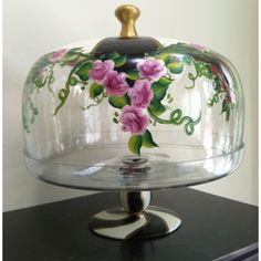 Handpainted by Regina Harari Cake Stand With Dome, Cake Dome, Cake Stands, Painted Wine Bottles, Hand Painted Wine Glasses, Painting On Glass Windows, Tole Painting Patterns, Dessert Aux Fruits, Family Crafts