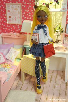 Nerea Pozo Art: Oooak Monster High doll ADELAIDE :)