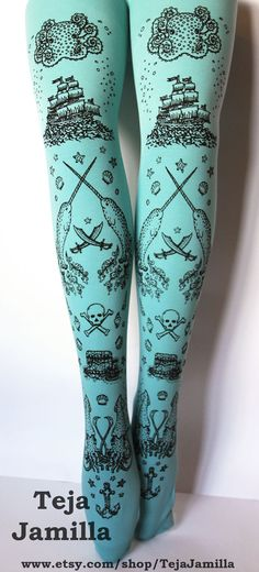 Check out these nautically awesome pirate tights here!