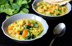 Květákové kari s kokosovým mlékem recept - TopRecepty. Thai Red Curry, Meat, Chicken, Cooking, Ethnic Recipes, Food Ideas, Kitchen, Brewing, Cuisine