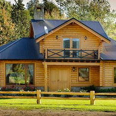 Casa amancay ι san martín de los andes, neuquén. de patagonia log homes - arquitectos - neuquén rural Bus House, Wooden Cabins, Log Homes, Shed, 1, Exterior, Outdoor Structures, Restaurant, Architecture