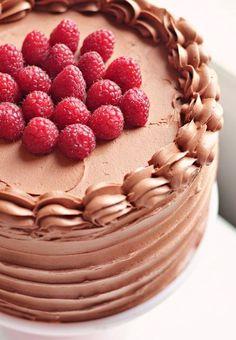 Time for dessert! Red Velvet & Raspberry Supreme Cake <3 L x