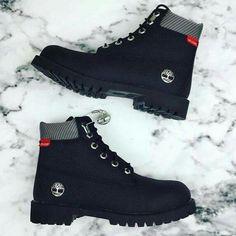 Jimmy Jazz x Timberland 📷: Timberland Chukka, Shoes Boots Timberland, Timberland Waterproof Boots, Shoe Boots, Sneakers Fashion, Fashion Shoes, Fresh Shoes, Hype Shoes, Shoe Company