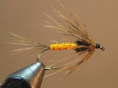 Guimond's Hairabou (variation) SBS - Step by Step Patterns & Tutorials - Fly Tying Fly Fishing Tips, Fishing Knots, Fishing Bait, Best Fishing, Saltwater Fishing, Ice Fishing, Fishing Hole, Fishing Tricks, Carp Fishing