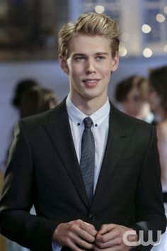 """The Carrie Diaries -- """"Caught"""" -- Pictured: Austin Butler as Sebastian"""