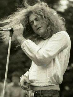 Led Zeppelin in Australia c.1971 ~ Robert Plant ...