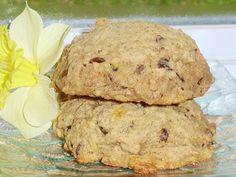 Si vous cherchez des biscuits moelleux de type galette, cette recette est parfaite. Je crois que leur tendreté incomparable vient des flo... Cookie Desserts, Cookie Recipes, Oatmeal Bars, Biscuit Cookies, Recipes From Heaven, Scones, Fudge, Fruit, Cooking