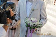 στολισμος γαμου  λιλα χρωματα Wedding Bouquets, Suit Jacket, Breast, Suits, Jackets, Fashion, Lilac, Down Jackets, Moda