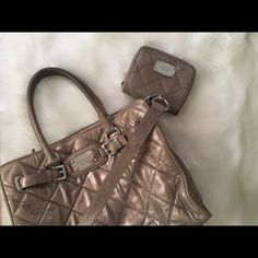 "Michael Kors Hamilton. ⚪️Michael Kors Hamilton handbag. ⚪️11"" H 14"" W 6"" D. ⚪️Beautiful quilted leather. ⚪️Denim stain on the backside of handbag. ⚪️Inside of purse in GREAT condition. ⚪️100% authentic. Michael Kors Bags"